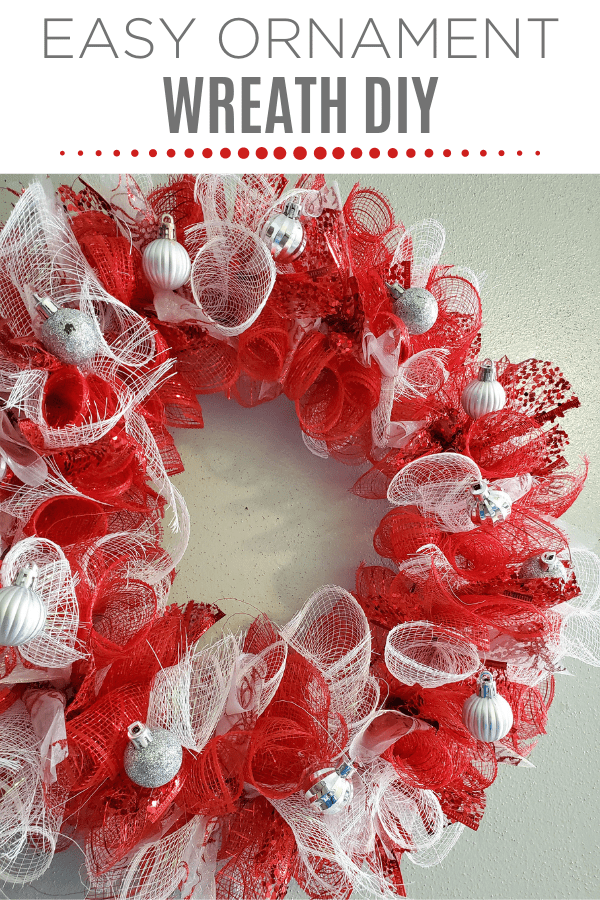 DIY Red And White Christmas Mesh Wreath ~ Easy Peasy!